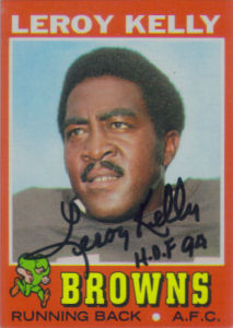 Leroy Kelly 1971 card with his autograph
